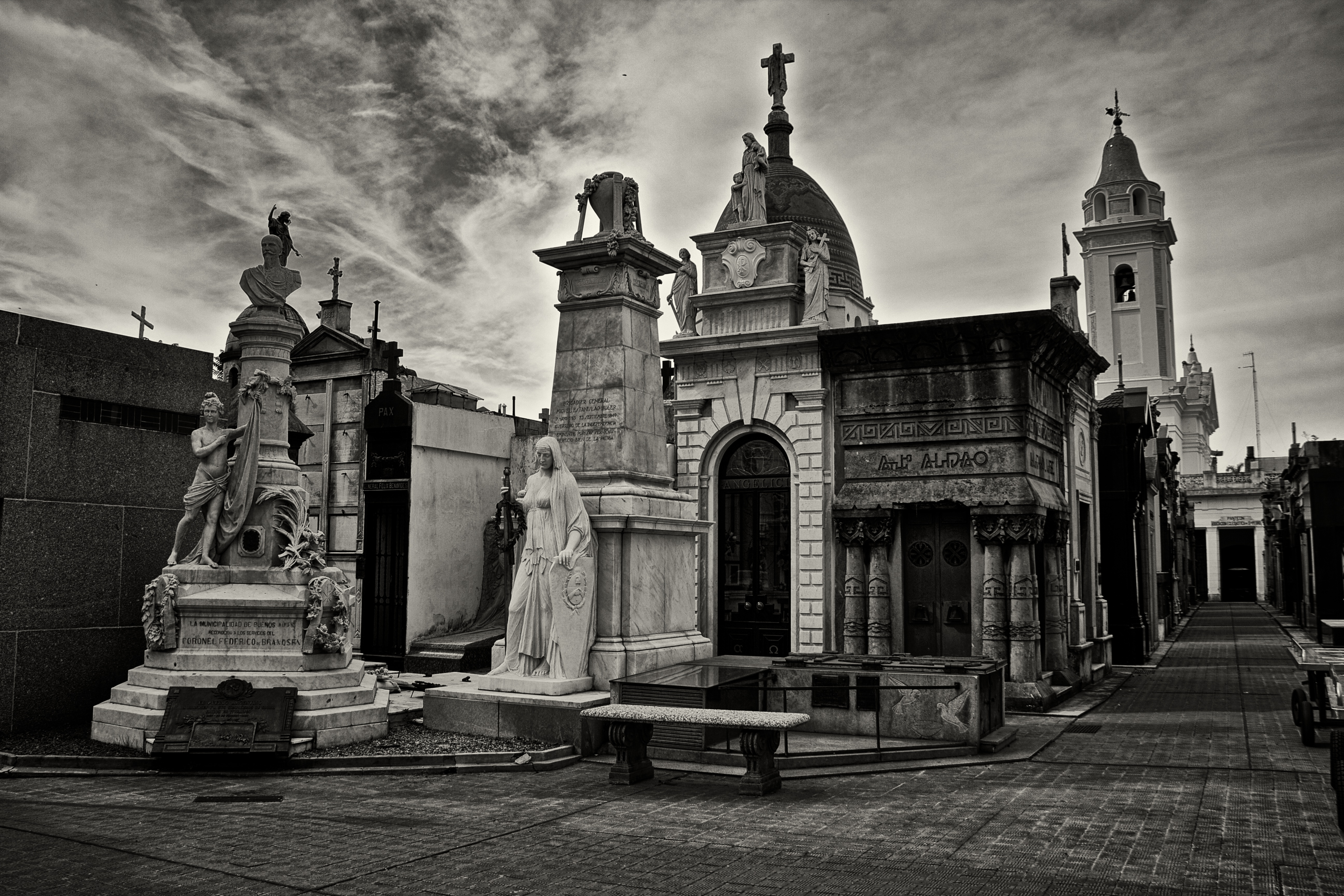 recoleta single men Check out our latest blog post for what to do on halloween in buenos aires as well as halloween in buenos aires: top 5 spooky legends 0 to trick single men.