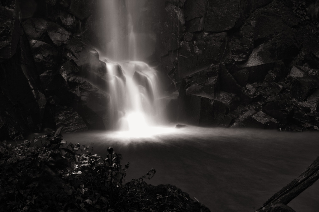 Radiating waterfall